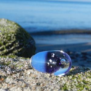 Erinnerungsschmcuk, Glasperle in blau, lila, Meeresschmuck, Ostsee, Strand