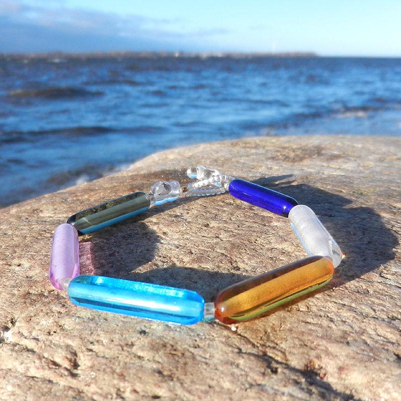 Armband mit handgefertigten schmalen Glasperlen aus Muranoglas, bunt, Einzelstück von schmuckes Glas