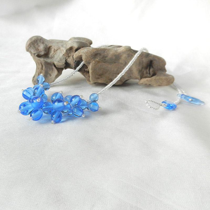 Kette mit hellblauen Glasperlen,handgefertigtes Unikat von schmuckes Glas,Muranoglas