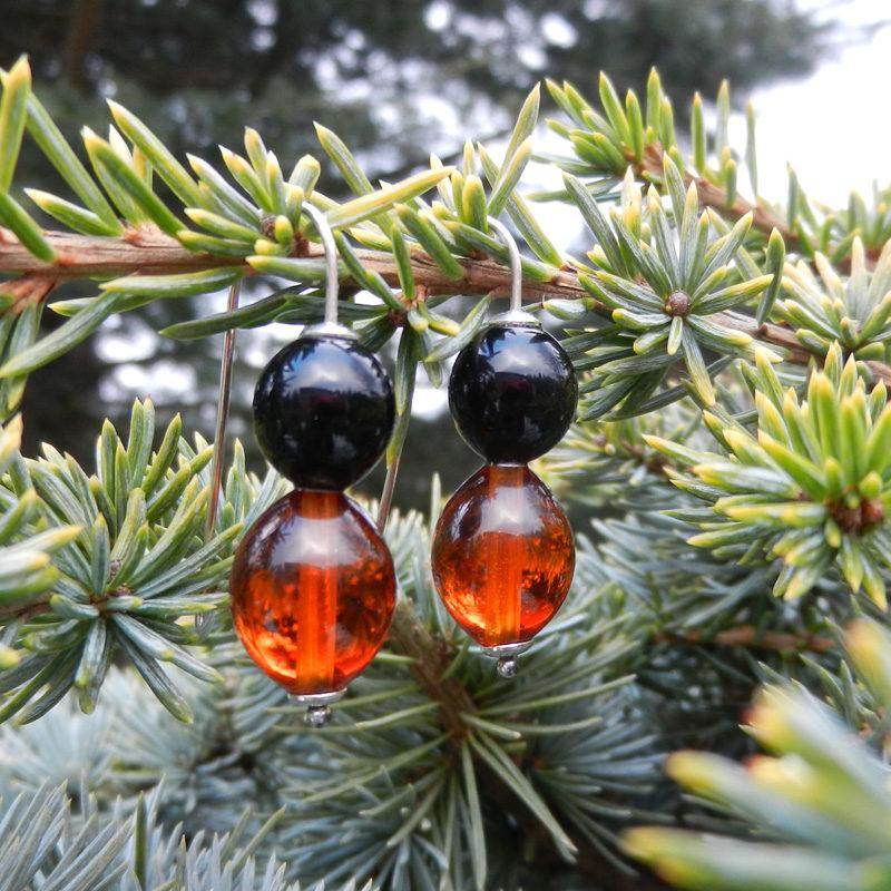 Ohrringe mit schwaarzen und braunen Glasperlen, silberohrringe, handgefertigt von schmuckes Glas