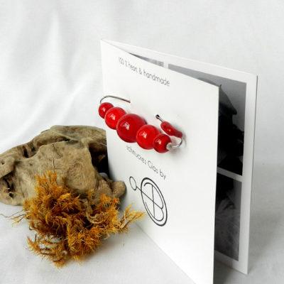 Anstecknadel mit roten Glaskugeln, Brosche mit handgefertigten roten Glasperlen, Tuchnadel von schmuckes Glas