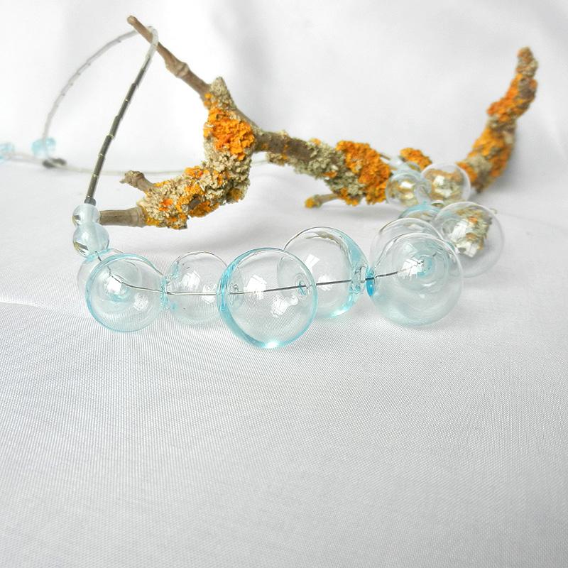 Mundgeblasene glasperlenkette, Collier mit hellblauen glasperlen, Unikat von schmuckes Glas, mit Silberperlen