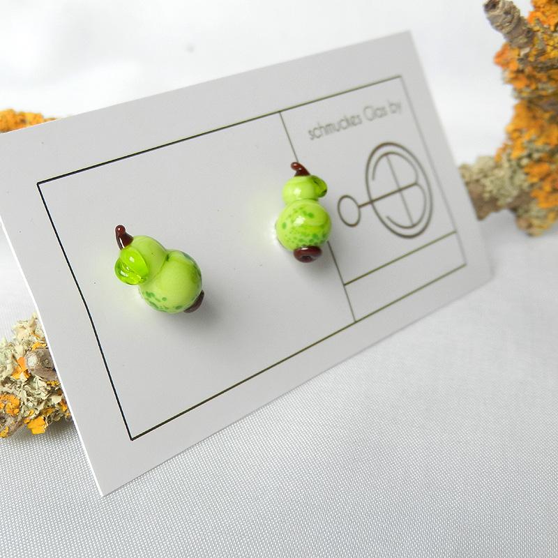 Ohrstecker mit Birne, silber ohrring mit handgearbeiteter Glasperle in birnenform, von schmuckes Glas