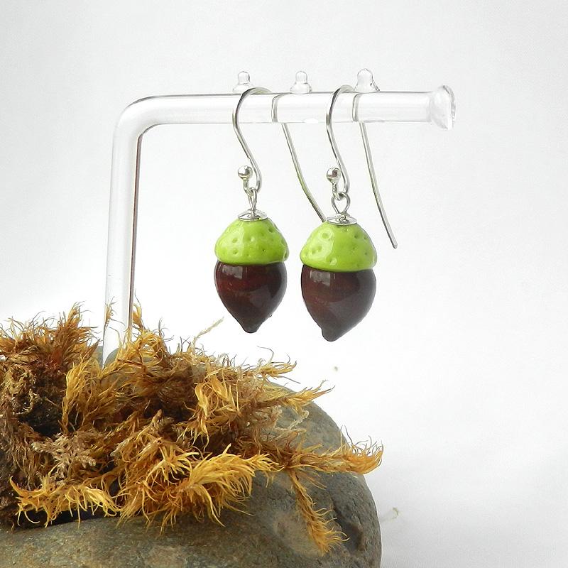Ohrringe mit Eicheln, handgefertigte Glasperlen, Silberene Ohrhänger mit Glasperlen, von schmuckes Glas